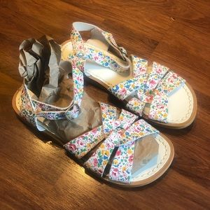 Salt Water Sandals. Size 6 Great used condition